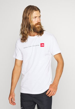 NEVER STOP EXPLORING TEE - Triko s potiskem - white/red