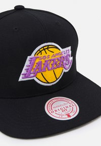 Mitchell & Ness - NBA LOS ANGELES LAKERS SOLID SNAPBACK - Cap - black - 3