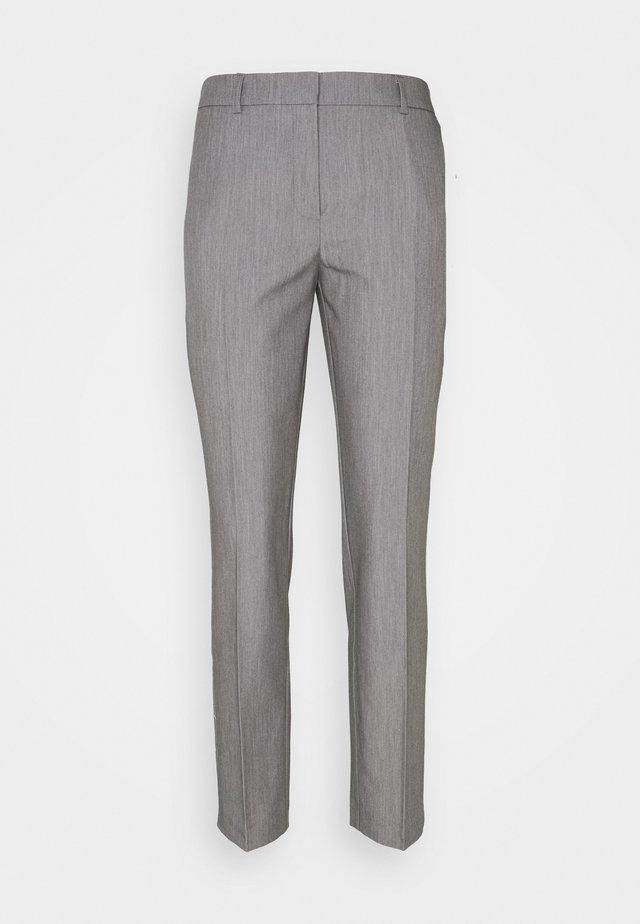ANKLE GRAZER - Pantalon classique - grey