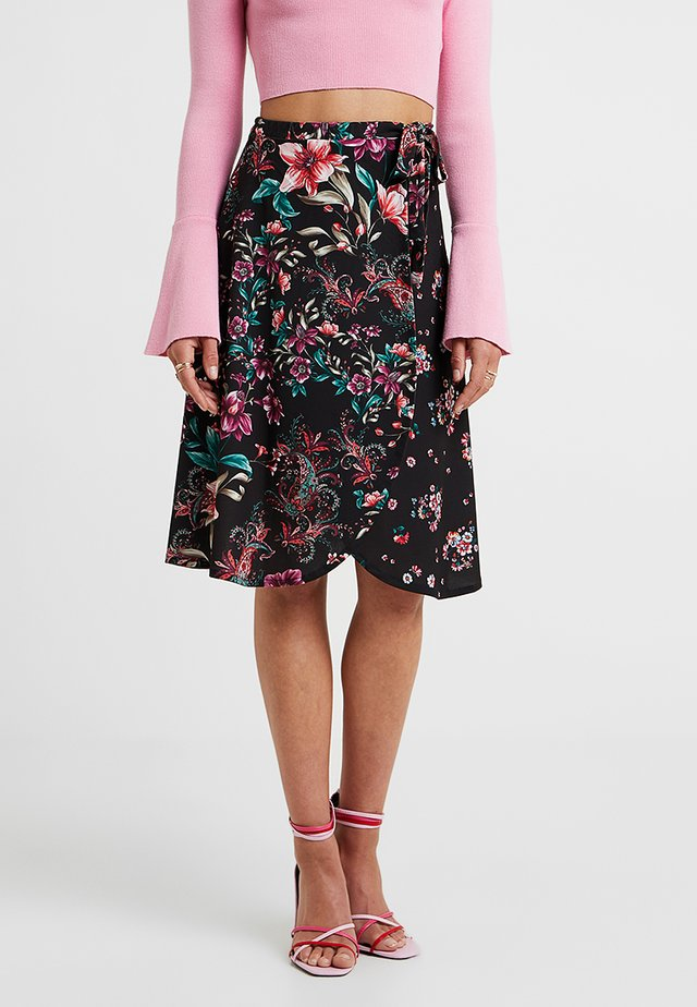 Wrap skirt - black/pink