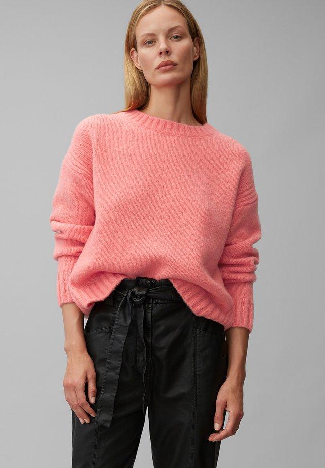 Pullover - hazy peach