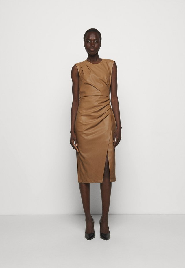 MARIE PLEAT DRESS - Tubino - camel