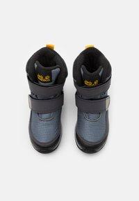 Jack Wolfskin - POLAR BEAR TEXAPORE HIGH UNISEX - Winter boots - pebble grey/burly yellow - 3
