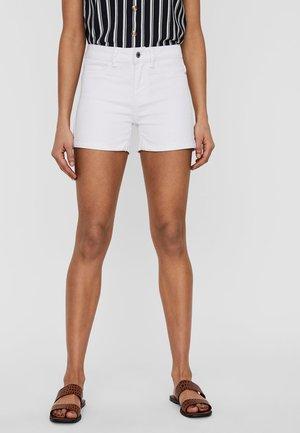 VMHOT SEVEN FOLD  - Denim shorts - bright white