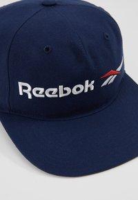 Reebok Classic - VECTOR FLAT PEAK - Kšiltovka - collegiate navy - 2