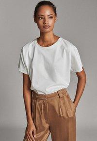 Massimo Dutti - T-shirt basique - white - 4