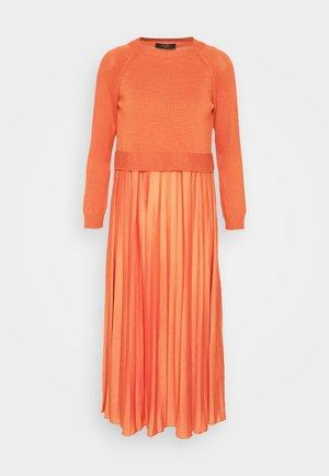 AIDONE  - Day dress - koralle