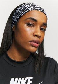 Nike Performance - FURY HEADBAND - Ear warmers - black/white - 0
