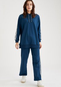 DeFacto - Tracksuit bottoms - navy - 0