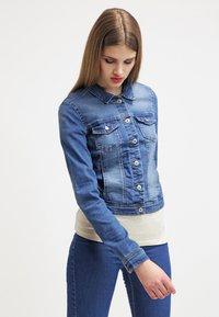 ONLY - ONLNEW WESTA - Denim jacket - medium blue denim - 0