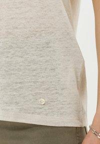 BRAX - STYLE CAELEN - T-shirt basique - beach - 4