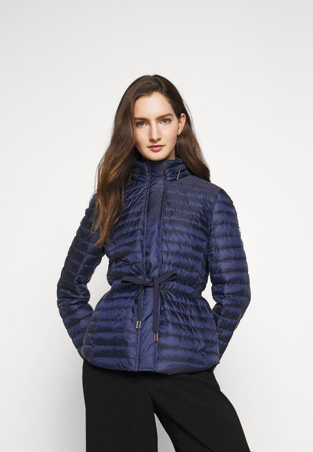 BELTED PUFFR - Down jacket - true navy