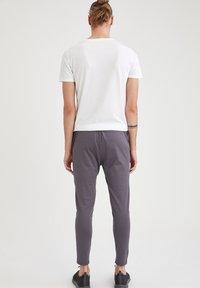 DeFacto Fit - Pantaloni sportivi - anthracite - 2