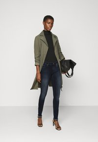 ONLY Tall - ONLBLUSH LIFE RAW - Jeans Skinny Fit - blue black denim - 1