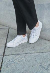 Vagabond - PAUL - Sneakers basse - white - 4