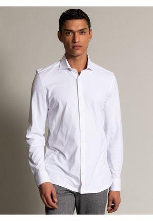 PIQUE - Zakelijk overhemd - weiß