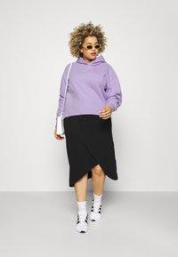Calvin Klein Jeans Plus - PLUS MICRO BRANDING HOODIE - Hoodie - palma lilac - 1