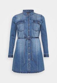 CARNETTE LIFE BELT TUNIC DRESS - Vestido vaquero - medium blue denim