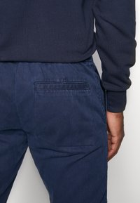 Topman - JOGGER - Pantaloni - navy - 3