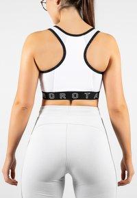 MOROTAI - NAKA  - Sports bra - white - 1