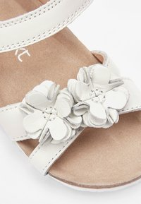 Next - PINK CORKBED FLOWER SANDALS (YOUNGER) - Outdoorsandalen - white - 4