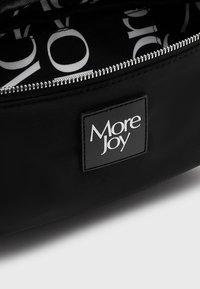 More Joy by Christopher Kane - BUM BAG UNISEX - Puusakott - black - 2