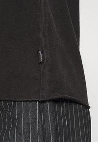 YOURTURN - UNISEX - T-shirt - bas - black - 3