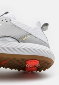 Puma Golf - IGNITE PWRADAPT CAGED CRAFTED - Golfové boty - white/high rise - 5