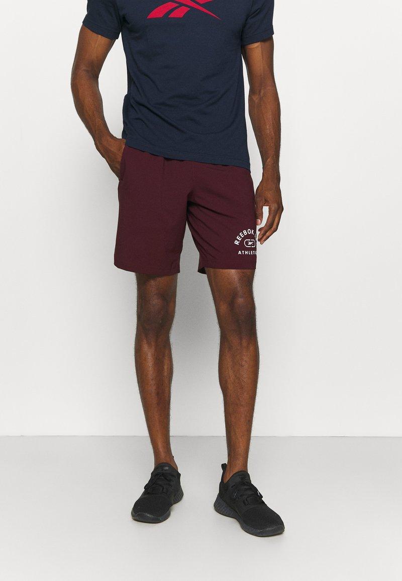 Reebok - GRAPHIC SHORT - Sports shorts - maroon