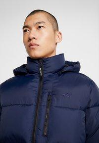 Hollister Co. - PUFFER HOOD  - Winter jacket - navy - 6
