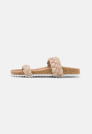 PADDED PLAIT SLIDER - Sandalias planas - beige/white