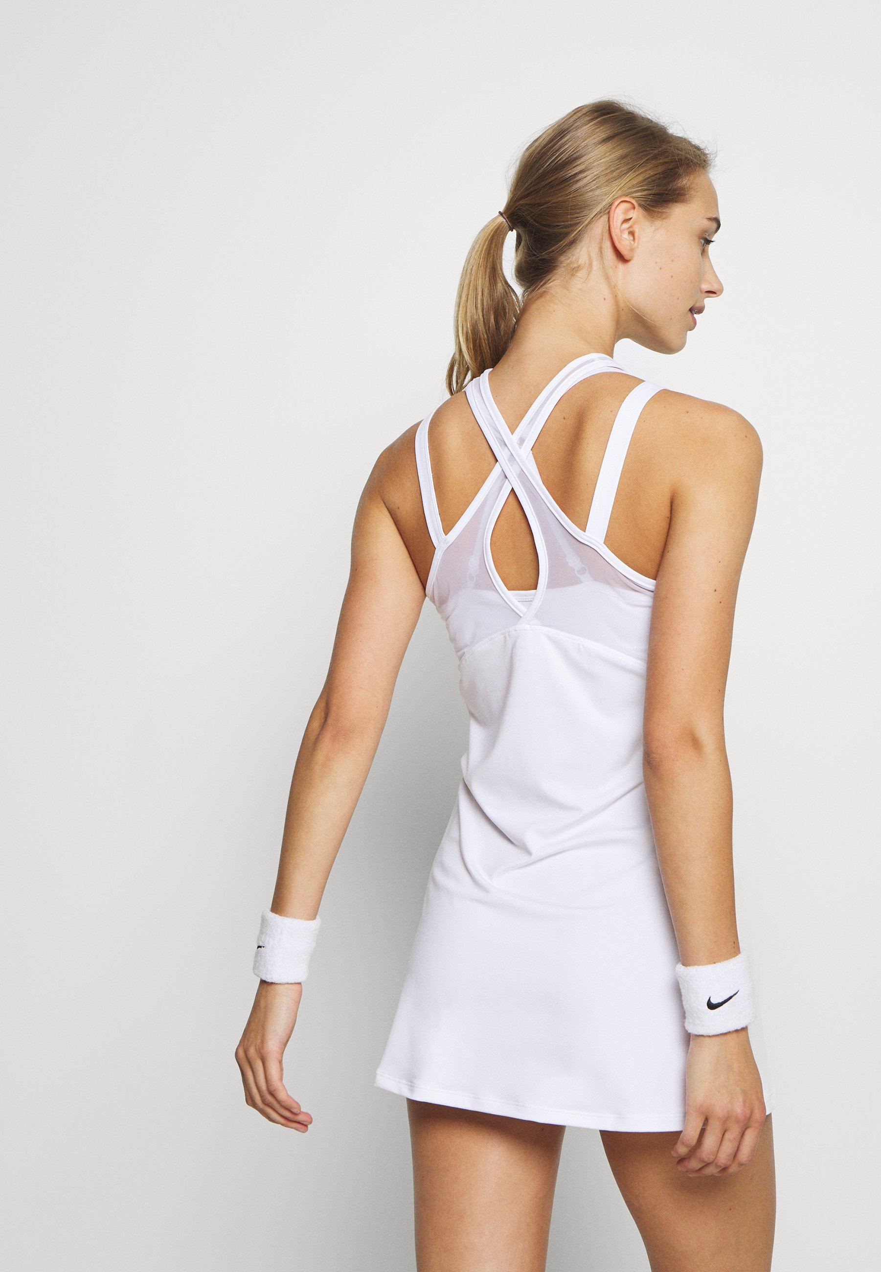 Ellesse FINESSE - Sports dress - white mRdo6