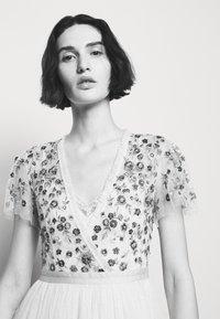 Needle & Thread - PRAIRIE FLORA BODICE DRESS - Společenské šaty - champage - 3