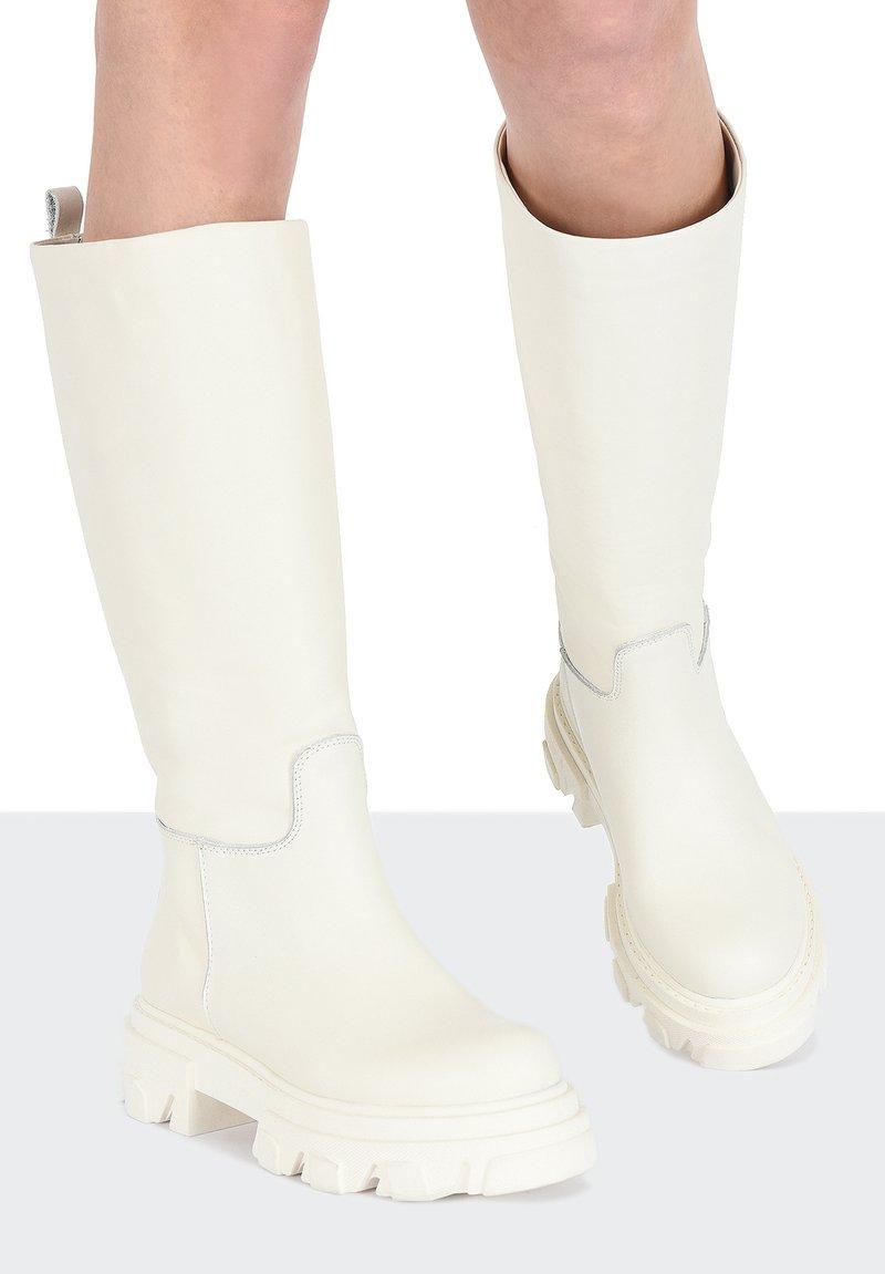 Inuovo - Boots - crema cma