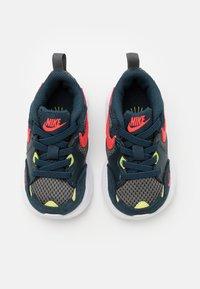 Nike Sportswear - AIR MAX FUSION UNISEX - Sneakers laag - deep ocean/bright crimson/iron grey/limelight - 3