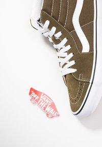 Vans - UA SK8-HI  - Sneaker high - beech/true white - 5