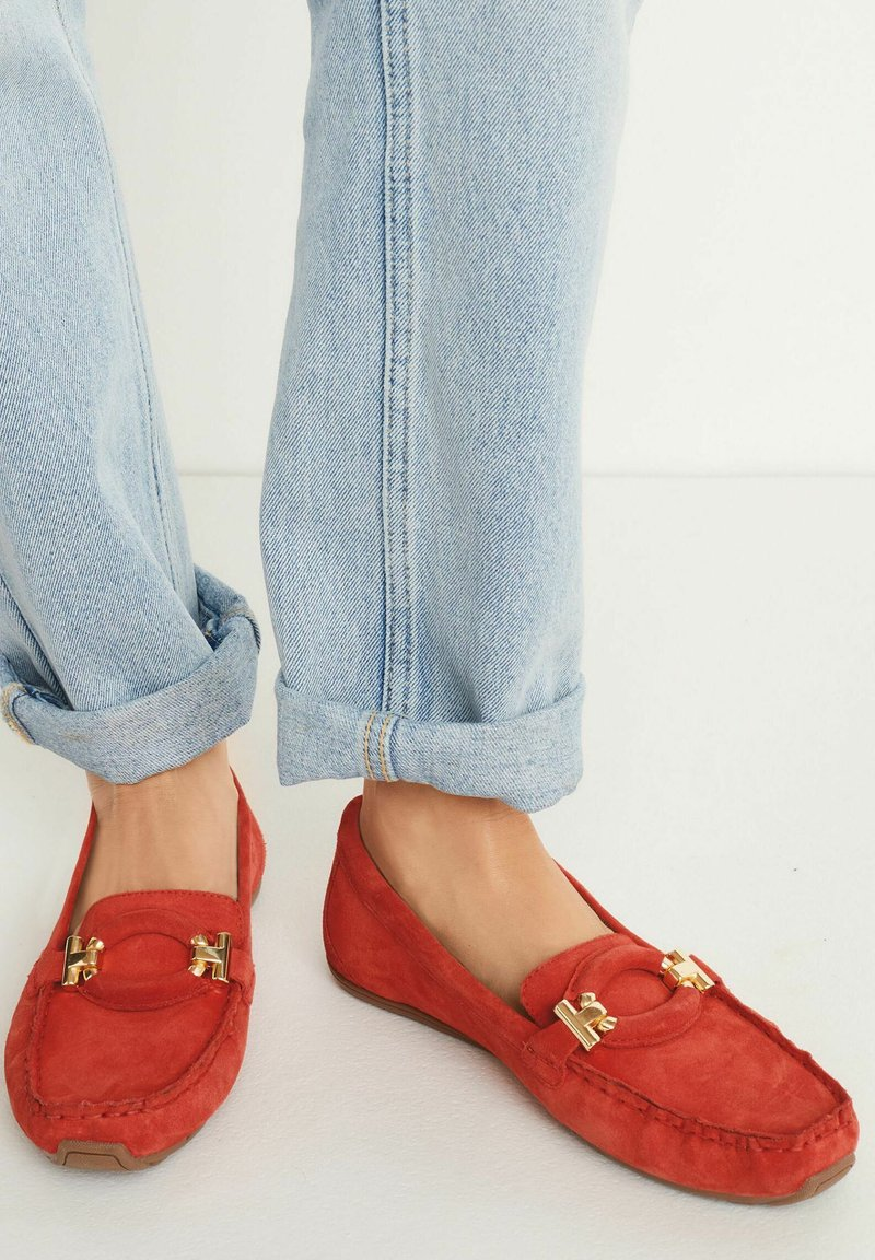 Next - HARDWARE DRIVER  - Moccasins - red