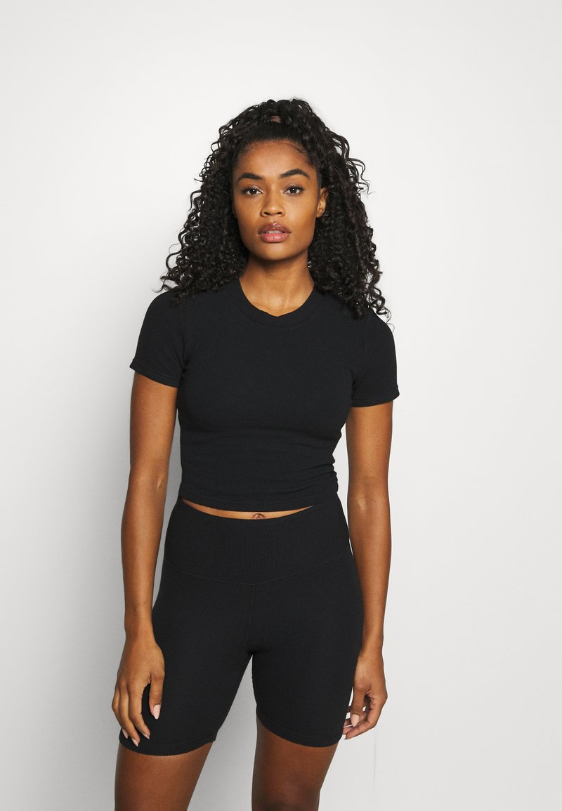Cotton On Body - Jednoduché triko - black