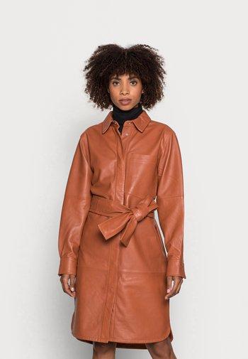CADIX - Shirt dress - tabac