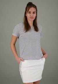 Better Rich - Print T-shirt - weiß blau - 0
