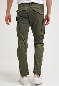 G-Star - ROVIC ZIP 3D STRAIGHT TAPERED - Pantalones cargo - dark bronze green - 2
