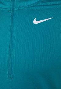Nike Performance - Funkční triko - blustery/reflective silver - 2