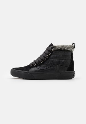 SK8 MTE - High-top trainers - black