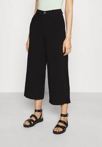 Even&Odd - Wide cropped leg pants - Bukse - black - 0