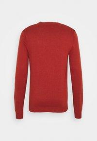 Jack & Jones - JCOWADE - Stickad tröja - red ochre - 1