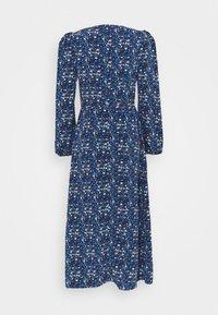 Glamorous Tall - LADIES DRESS FLORAL - Denní šaty - navy blue/orange - 1