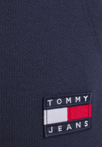 Tommy Jeans - BADGE - Shorts - twilight navy - 5
