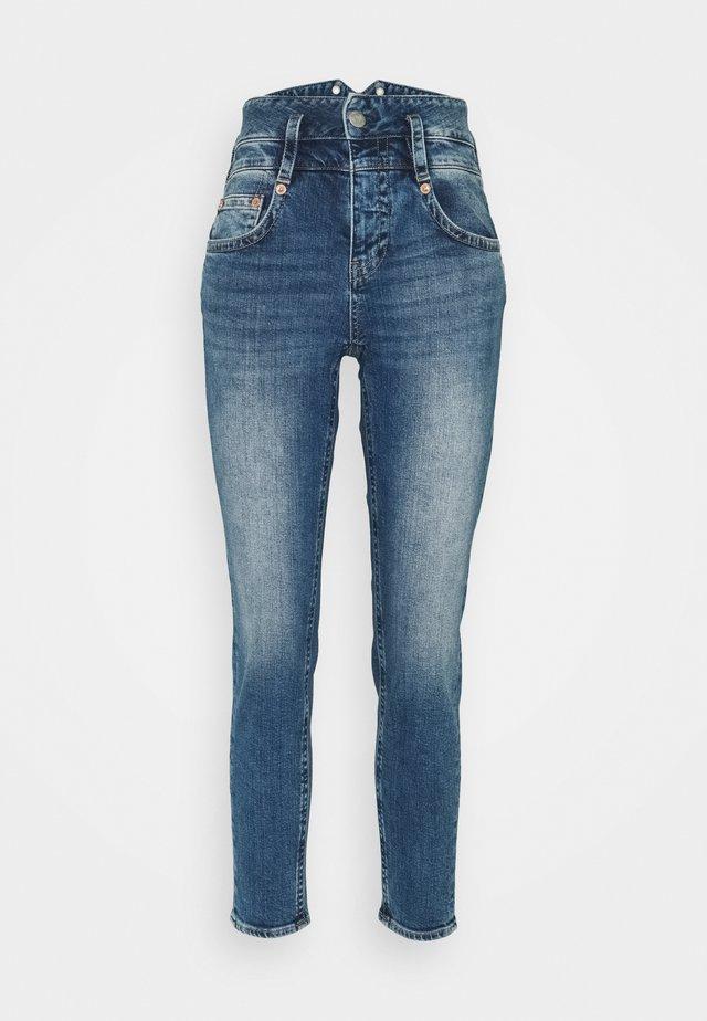 PITCH CONIC  - Slim fit jeans - retro