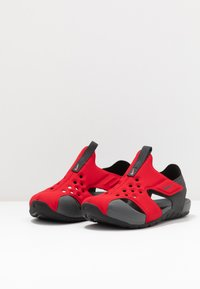 Nike Performance - SUNRAY PROTECT 2 UNISEX - Sandály do bazénu - university red/anthracite/black - 3