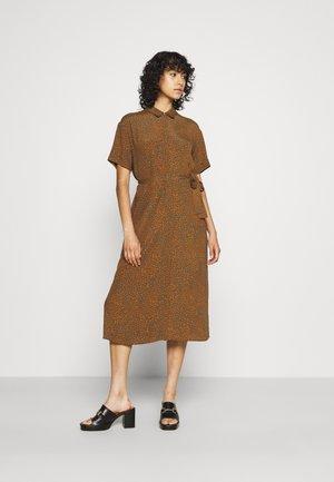 NUBENTA MIDI DRESS - Skjortekjole - grape leaf